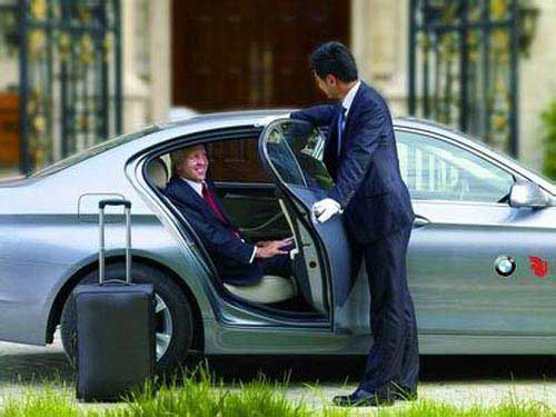 乌鲁木齐代驾租车公司费用多少?