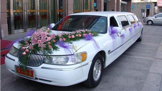 乌鲁木齐租林肯婚车多少钱?