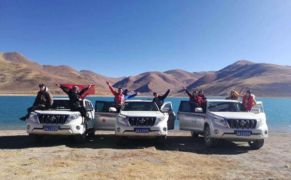 新疆旅游租车包车公司哪家好?地址在哪?