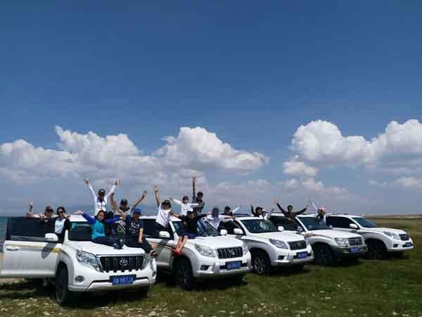在乌鲁木齐旅游租车带司机方便吗?