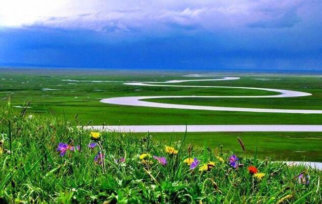 北疆旅游从乌鲁木齐租车费用