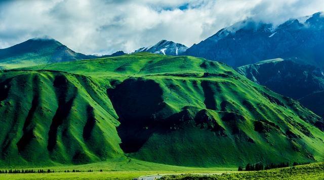 新疆独库公路旅游攻略,一条打通天险贯穿四季的公路,一道美险兼具风景线