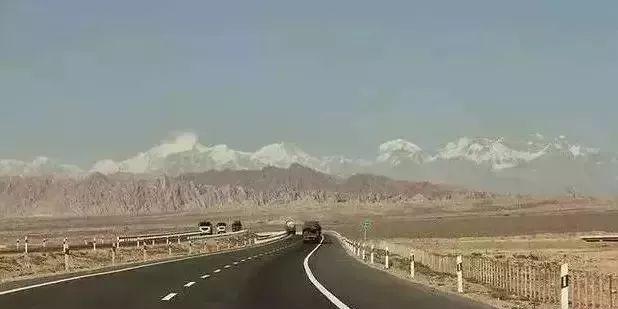自驾游新疆旅游攻略(最全新疆公路里程表)