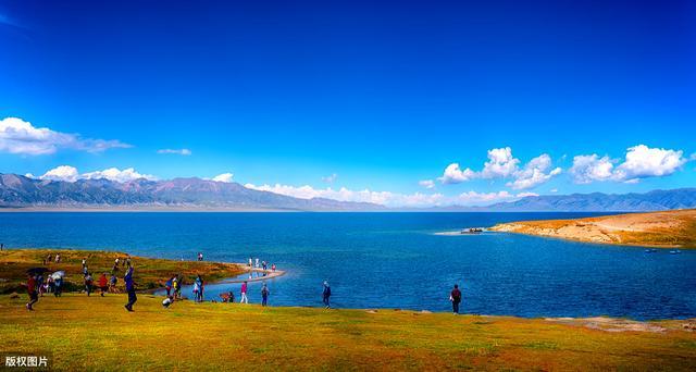 新疆赛里木湖旅游攻略,宝石兰般情人的眼泪,被称为大西洋最后的一滴眼泪